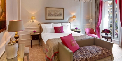 Deluxe Room at Hotel Plaza Athenee