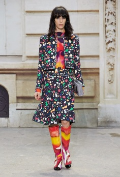 chanele ss 2015 collection_paris street style september 2014_chanel spring collection_fabulous muses (1)