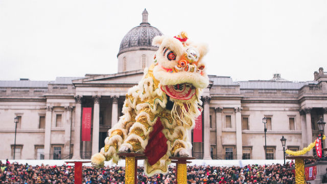 88605-640x360-chinese-new-year-flying-dragon-dance-640