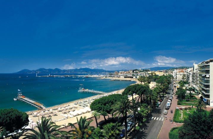 La Croisette. Image Courtesy: Cannes Tourism Office