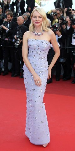 Naomi Watts bedazzles on the red carpet