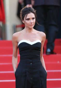 Victoria Beckham makes pant-suit look chic