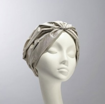 Nerida Fraiman - Silk new style turban (feather)