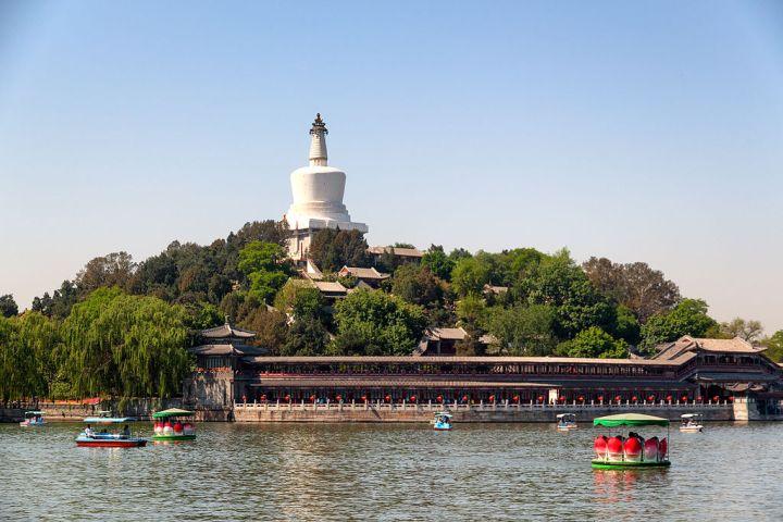 Beihai_park,_beijing,_china