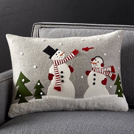 snowman-and-friends-pillow