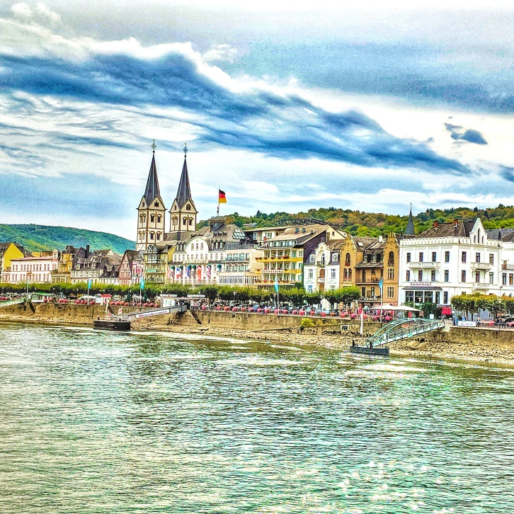 The town of Boppard from the river cruise on the Rhine river. Image Courtesy: Vindscape
